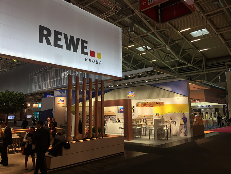 messestand-dm-expo-real