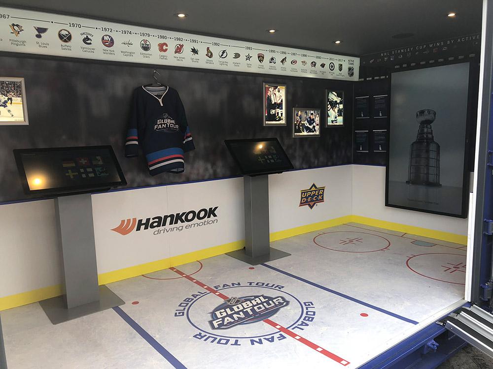 Container als Eisfläche Eishockey Stadium Roadshow Event